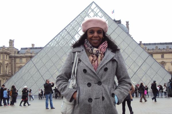 Dirlene no Louvre